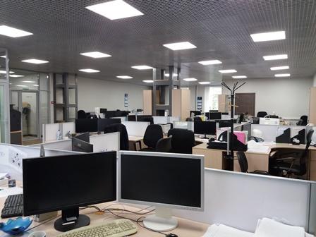 Вид кабинета проектного отдела направо от входа